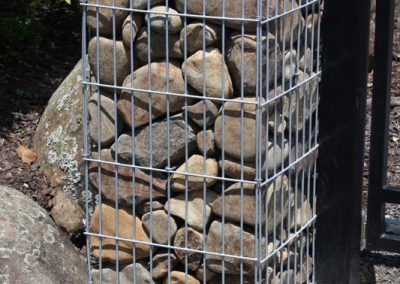 Gabion pillar feature