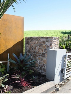 Waiheke Stone Entranceway