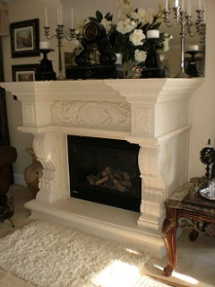 Traditional Fireplace with Mantlepiece Detail